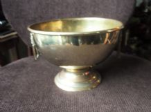 "VINTAGE SOLID BRASS PEDESTAL DISH WITH LION HEAD HANDLES 8.5"" DIA X 6"" HIGH"